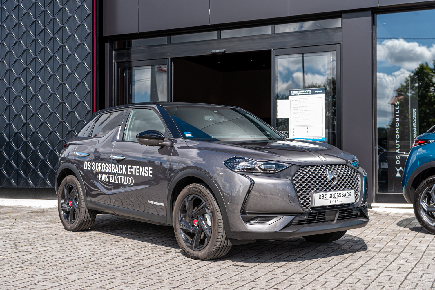 DS 3 CROSSBACK E-TENSE PERFORMANCE Line AM12